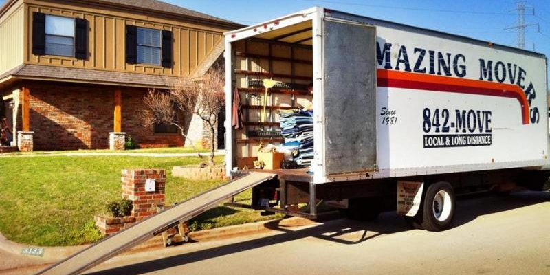 moving-truck-being-loaded-800x597