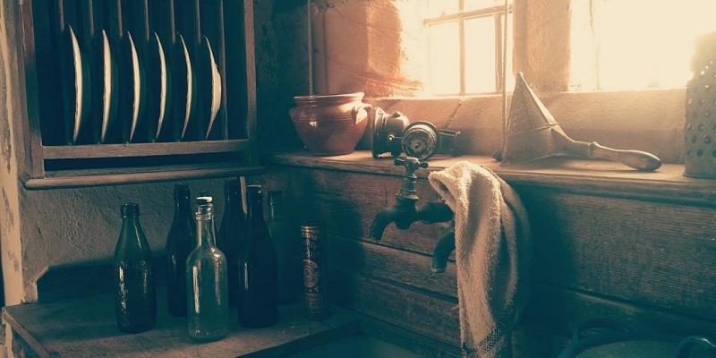 rustic-old-kitchen-800x592